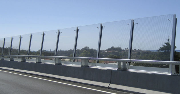 acrylic-glass-noise-barrier-transparent